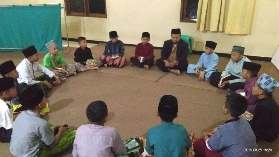 Kegiatan Tarbiyah Ruhiyyah Santri al-Hilal 6