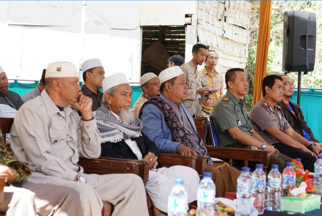 Peletakan Batu Pondasi Wakaf Mesjid Dan Asrama Pesantren Yatim Al-Hilal 3