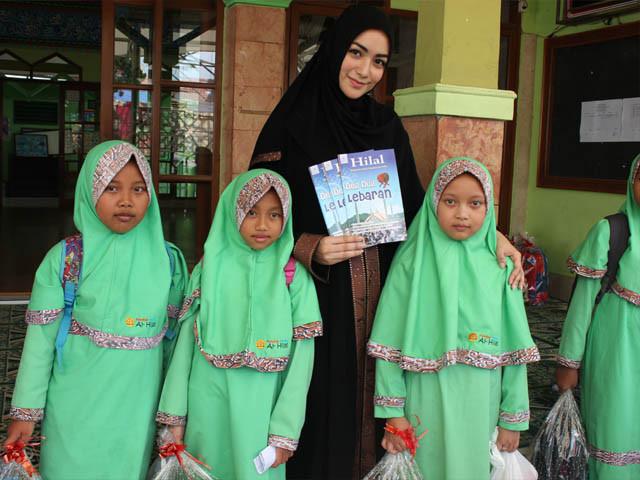 Citra Kirana Gelar Syukuran Bersama Anak Yatim al-Hilal 4