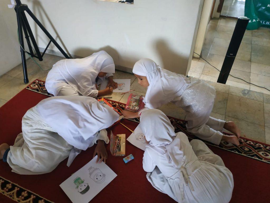 Mewarnai dan Sharing Motifasi Bersama Santri al-Hilal 3 2