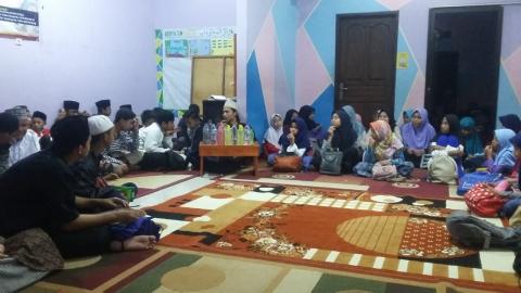 Pengajian Rutin Malam Jum'at di Pesantren al-Hilal 1