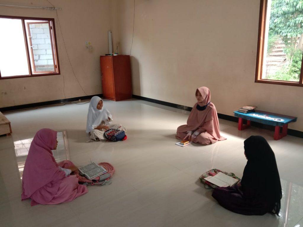 Meningkatkan Pengetahuan Al-Qur'an dengan Mengikuti Pengajian Rutinan 4