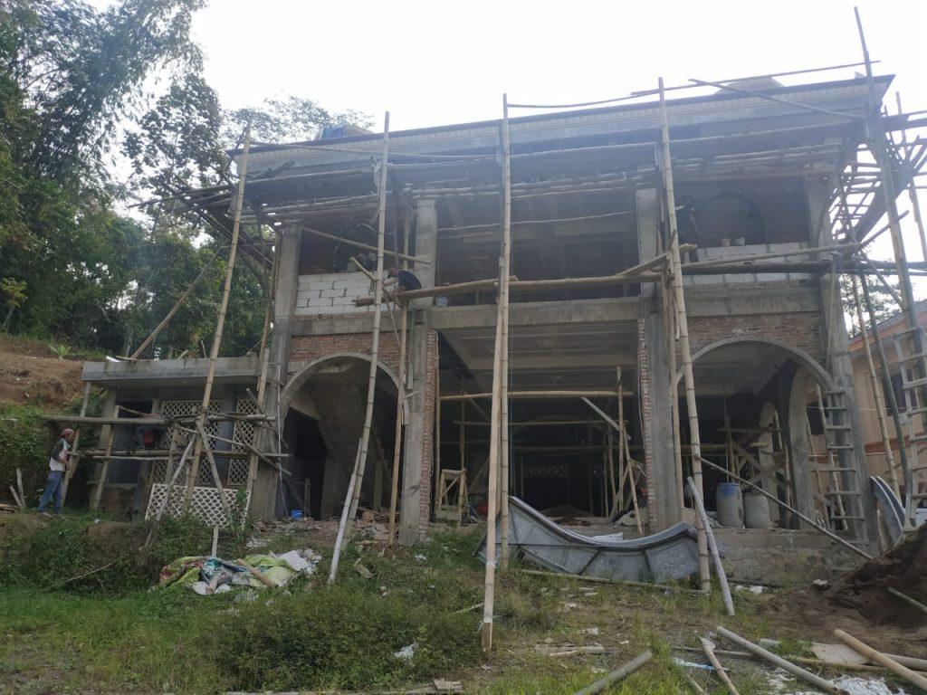 Pembangunan masjid pesantren al hilal