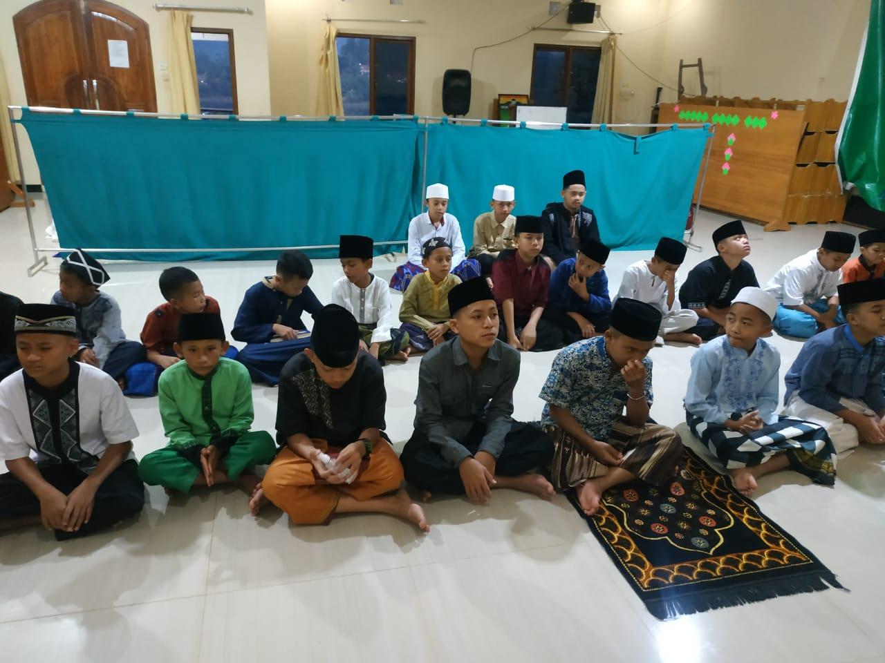 Pemahaman Al-Qur'an sejak dini dengan Rutin Mengaji