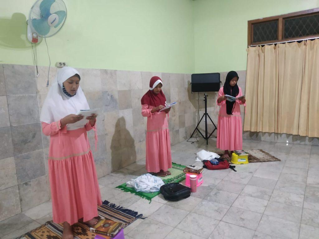 Ngaji Rutinan Pesantren Al Hilal 4