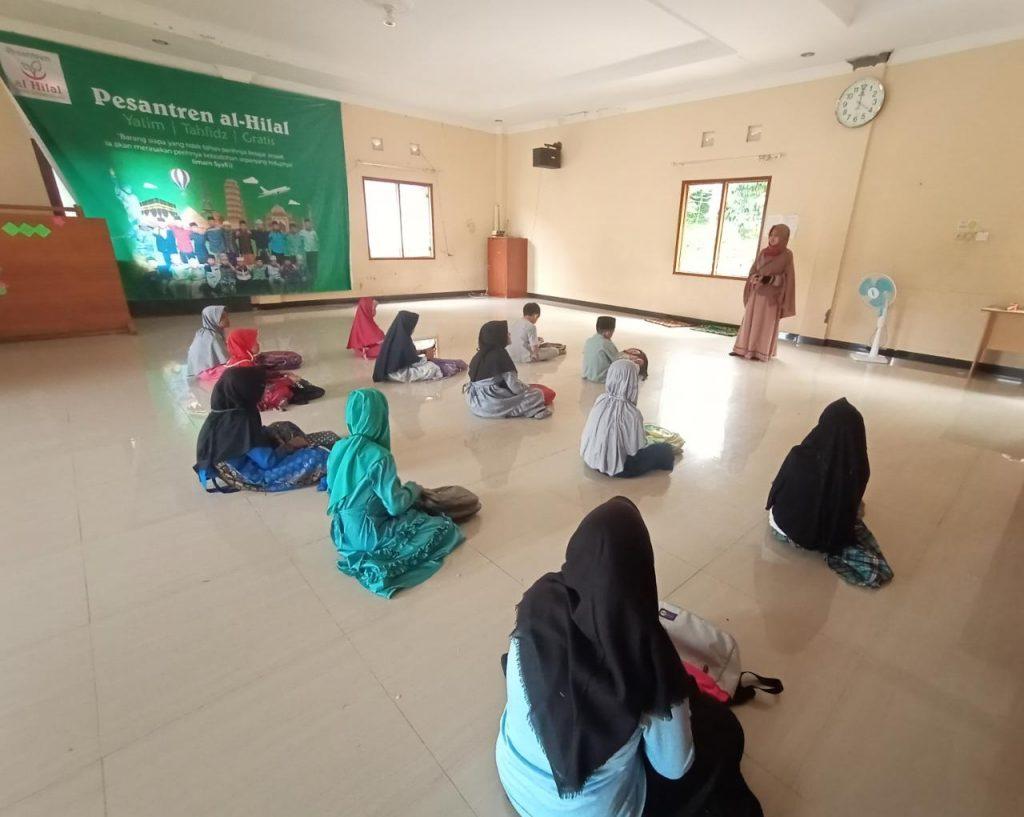 Pengajian Harian di Pesantren Al Hilal 2