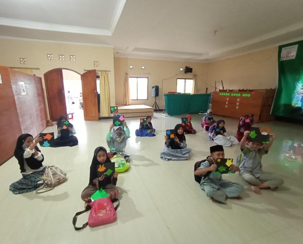 Pengajian Harian di Pesantren Al Hilal 1