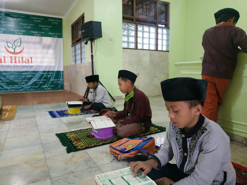 Pengajian Harian di Pesantren Al Hilal 3