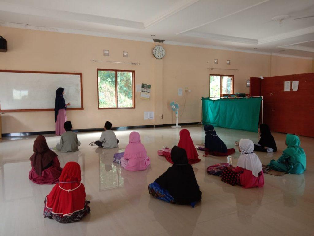 Kegiatan Muraja'ah Bersama di Pesantren Al Hilal 3