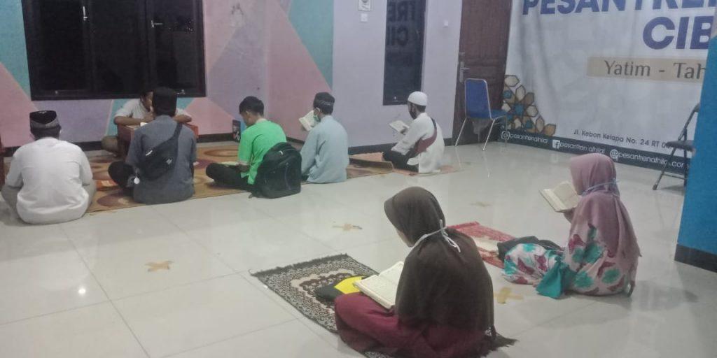 Kegiatan Do'a Bersama di Pesantren Al Hilal 1