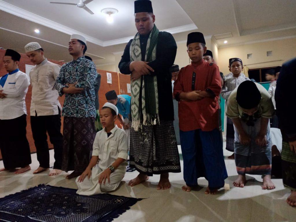 Aktivitas Muraja'ah Bersama di Pesantren Al hilal 