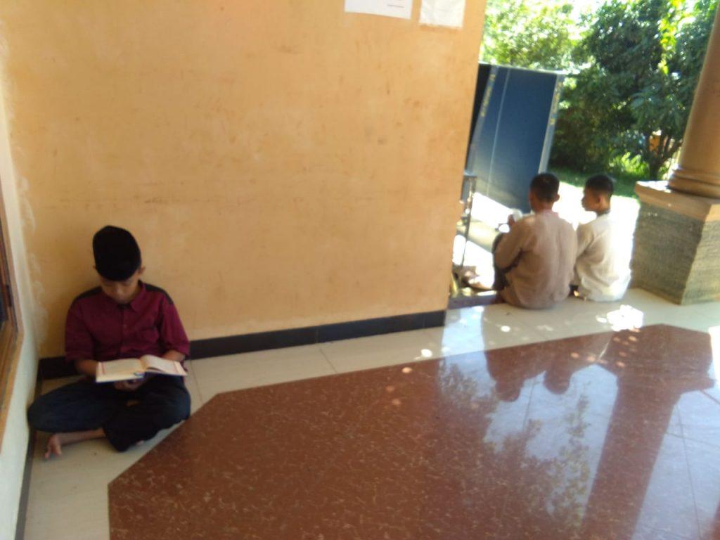 Suasana persiapan untuk kegiatan Tasmiul Qur'an 