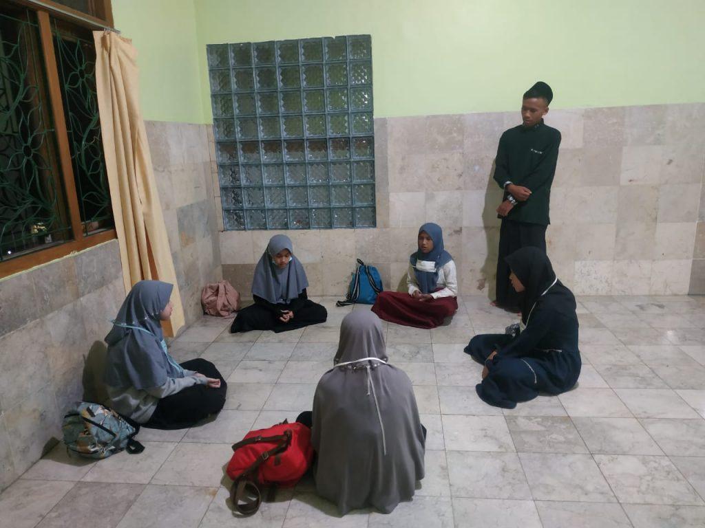 Rutinitas Mengaji Di Pesantren Al Hilal 2