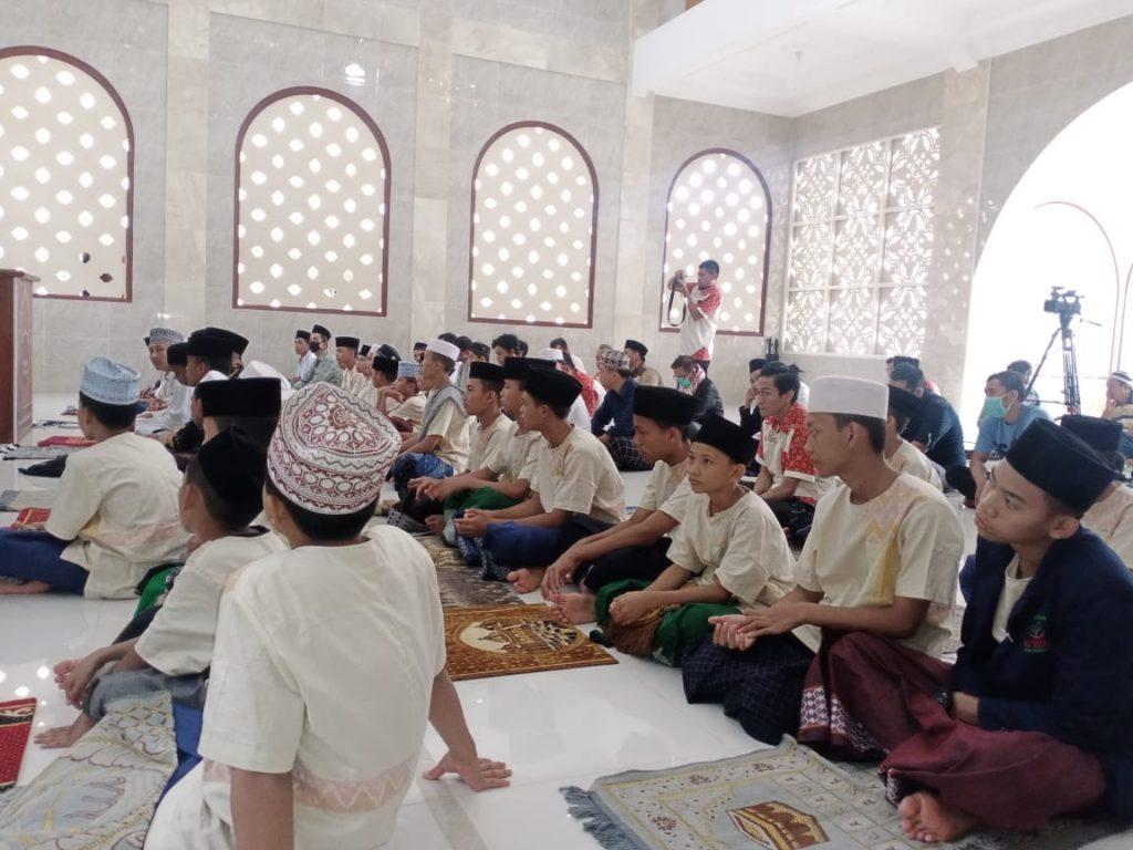 Jumatan perdana di masjid Marwah Pesantren Al-Hilal 1