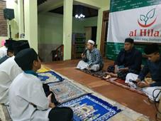 Pesantren Al-Hilal Gegerkalong Melaksanakan Berdoa Bersama dan Pengajian Malam Jumat