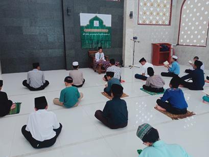 """Kegiatan Tasmi'ul Quran  """"Sebagai Evaluasi Hafalan Santri"""" 1"""