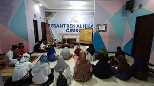 Pesantren Al-Hilal Cibiru Melaksanakan Berdoa Bersama dan Pengajian Malam Jumat