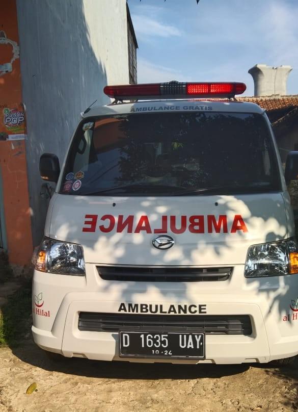 Ketika Pasien Komplikasi Membutuhkan Bantuan Mobil Ambulance Gratis LAZISWAF Al Hilal